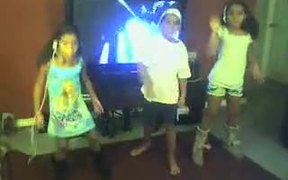 3 Beautiful Kids Singing and Dancing