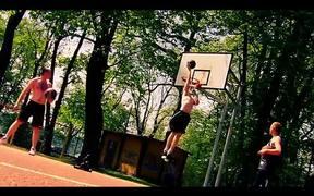 slow motion basket ball - Majówka