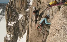 Quickdraws with ultra-light carabiners - Petzl