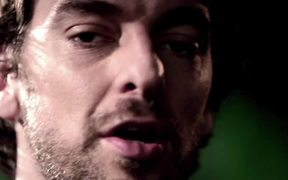 NBA Video: Pau Gasol's Wild Aid