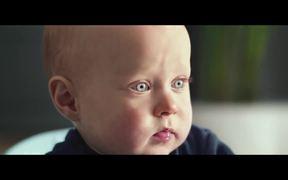 Samsung: Cute Baby vs. Vacuum Cleaner