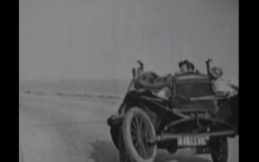 9,5mm Baby Pathé movie - Une partie d'auto
