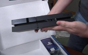 Sony PlayStation 4 - Unboxing