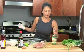 How to Cook Pork Chops (Vietnamese Style)