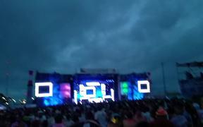 Performance of Electronic Duet Showtek