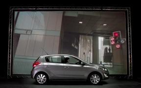Hyundai i20 Commercial: Keyless