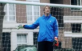 Adidas Ad: van der Sar is Back