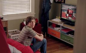 Electronic Arts Commercial: Son